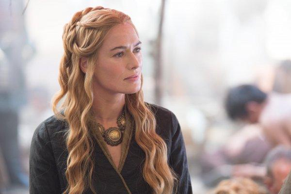 Беременную звезду «Игры престолов» журналист довел до слёз
