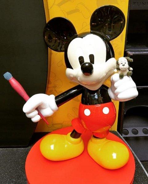 Великий мышонок Микки Маус отмечает 90-летие